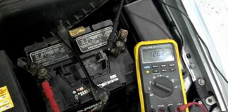 Check a Deep Cycle Battery With a Multimeter