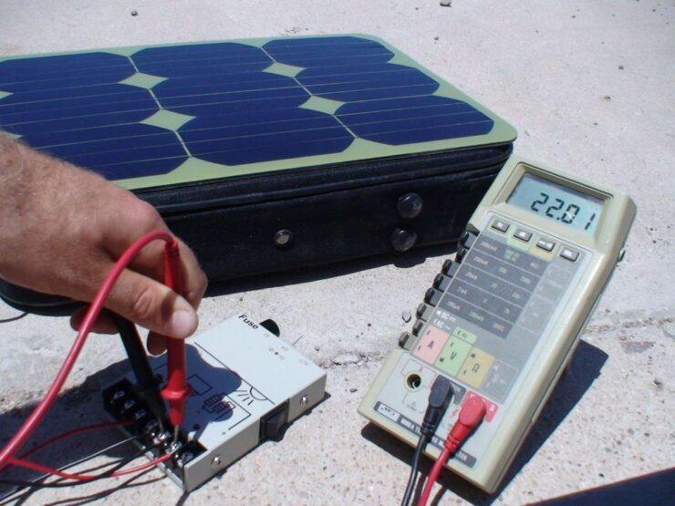 solar panel charging battery
